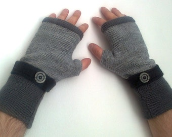Sale gloves Gray  Fingerless gloves for men's Made   knitted  of wool all sizes  with buttons  Hand knit gloves