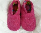 24 plus 3t/4t Upcycled wool slipper/hot pink heart/