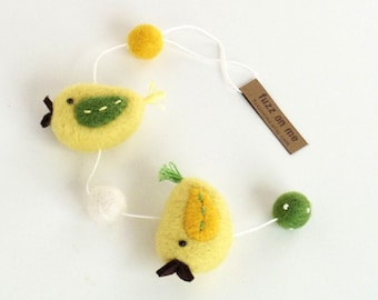 Miniature felt bird garland :  needle felted birds - 2 tone yellow and green wings, wool winter decor