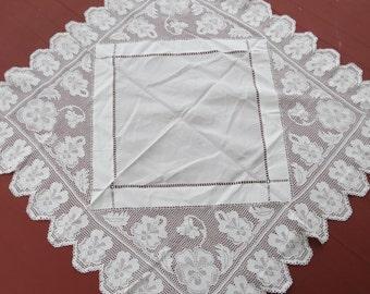 Antique 1890s VICTORIAN Deep Filet Crochet Net Lace Irish Linen Tea Cloth Tablecloth PANSY
