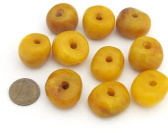 1 Bead  - Beautiful Tibetan copal resin beads - BD683