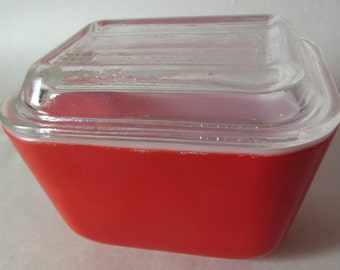 Vintage Red Pyrex Refrigerator Ware 1.5 Cup Container with Glass Lid