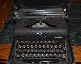 Vintage Royal Arrow typewriter