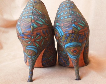 Vintage 60's High Heel Pumps, Tiki Print, Hawaiian, Brown, Turquoise, Olive Green and Blue, 50's Rockabilly Pin Up, Size 4 to 5 to 6