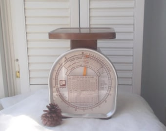 Vintage  Rustic Scale Farmhouse Kitchen Scale Pelouze Brand Postage Scale Metal Scale