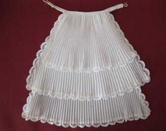 White Vintage Pleated and Lace Blouse Ruffle