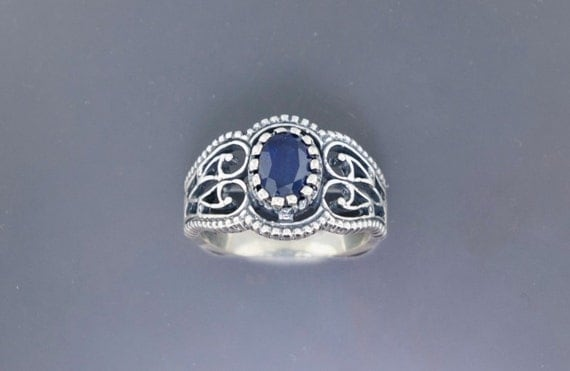 Vintage Style Filigree Ring in Sterling Silver with Sapphire