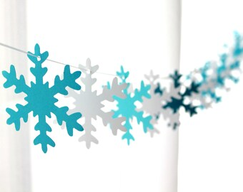 """6 Foot - 3"""" New Frosty Winter Snowflakes Garland"""