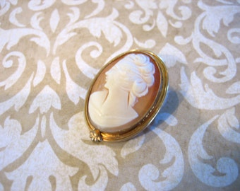 Art Deco 12K G.F. Oval Carved Shell Cameo Pendant  or Brooch