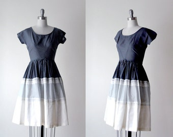 1960's gray dress. 60 ombre dress. xs full skirt dress. lace. 60's gray & white dress. 1960 vintage.