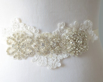 READY TO SHIP,Ivory Lace Rhinestone sash, rhinestone bridal sash, Ivory lace sash, rhinestone beaded sash, pearls, Bridal sash