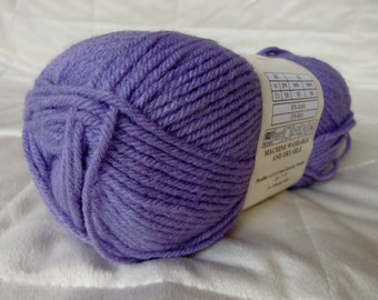 Universal Yarn Classic Worsted, worsted weight yarn, Lavender color