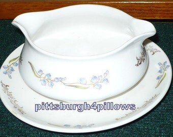 Homer Laughlin Gravy Boat W/ Underplate - Blue Flowers -  Small Manufacture Defects In Boat Not Bad - Grazing But Not Bad - No Damage