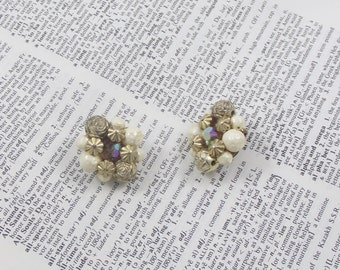 Vintage Earrings Gold White Flowers Jewelry Earring Fashion Earrings Circles Vintage Clasp Gold Colored Flowers Balls Beaded