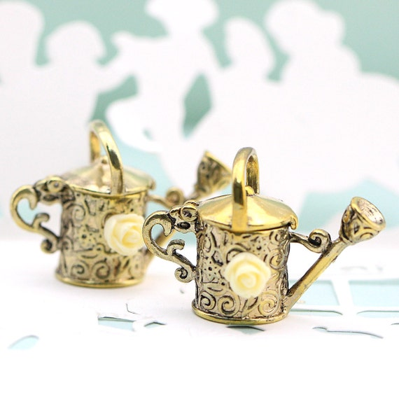 1PCS Antique brass watering can with resin pink rose metal charms pendants (15-1-105)
