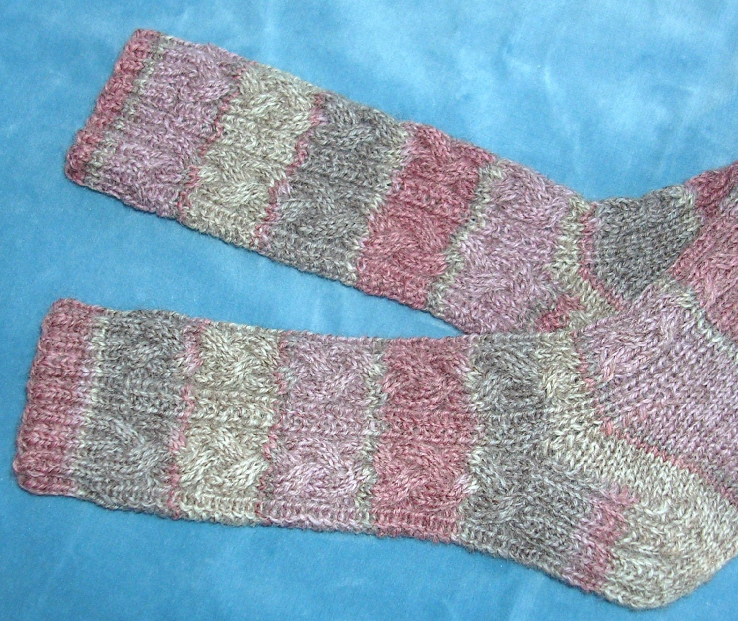 Hand Knit Socks Unisex Cable Pattern Small Rose Mauve and