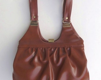 Vintage 70s Purse Handbag Shoulder Bag in Rust Brown Vinyl