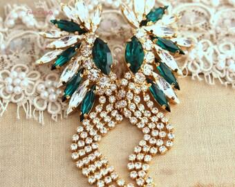 Emerald white Crystal statement earrings, Emerald Climbing Swarovski Chandelier earrings,  Emerald Gold Crystal earrings, Estate jewelry.