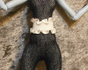 White ruffled edge belt for Monster and Ever after dolls