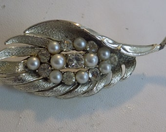 Vintage brooch, signed Coro pegesus crystal and pearl leaf brooch, 1940s retro madmen brooch, Coro jewelry