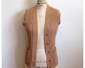 Vintage caramel buttoned sweater vest