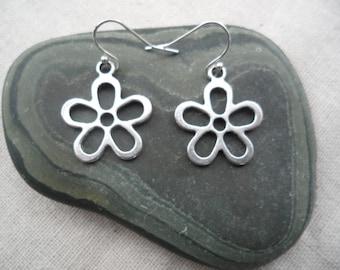 Mod Silver Flower Earrings - Simple Everyday Silver Earrings