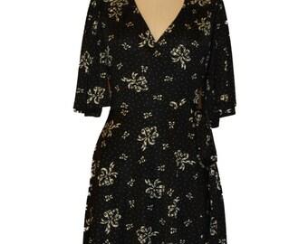 Betsey Johnson Wrap Dress Size 6