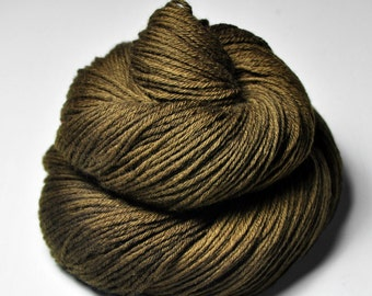 Dried brown algae - Merino Sport Yarn Machine Washable