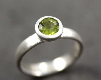 Apple Green Peridot Ring, Faceted Gemstone August Birthstone Ring Brushed Recycled Sterling Silver Ring  - Ready to Ship in US Size 7