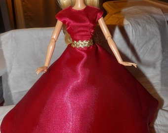 Red Carpet Collection - Stunning red Satin formal dress gold belt & Tulle slip for Fashion Dolls - ed641