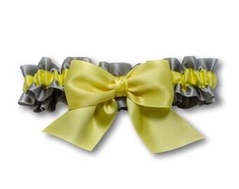 Wedding garter - bridal garter - light yellow and gray garter - pastel yellow satin garter - yellow and silver toss garter - yellow garter