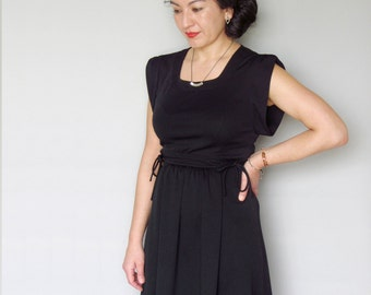 Vintage 70s 80s day dress black mod details medium