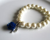 Pearl bracelet with navy blue rose and letter, initial bridal bracelet, bridesmaids bracelet,personilazed jewelry