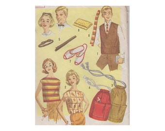 """60s Beginner Projects Sewing Pattern Bow Tie Headband Clutch Duffelbag Vest Blouse Size M Chest 32-34"""" (81-86 cm) Simplicity 3660 S"""