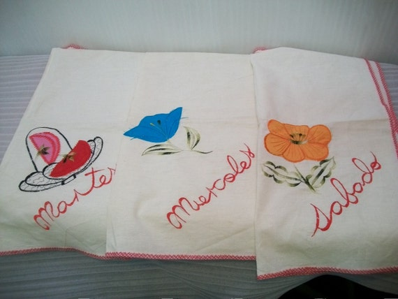 Vintage embroidered towels mexican set