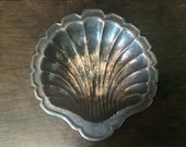 Vintage Metal Shell Dish / English Shop