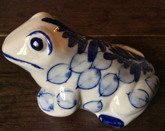 Vintage English Blue White Lucky Frog Figurine circa 1960's / English Shop