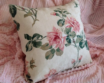 Vintage rose pillow cover Lovely OLD FASHIONED ROSES in pink and green
