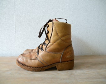 70s Winter Boots Size US 7 1/2/ EU 40 Vintage Leather Snow Distressed Unisex Boots