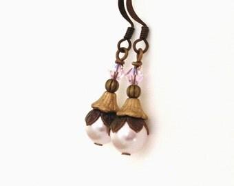 Art Deco style pearl brass earrings, pale pink pearl, bead caps, layered earrings, antiqued brass, pink brown earrings, pearl brass jewelry