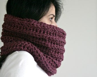Knit Chunky Cowl // Eggplant // The Toggenare