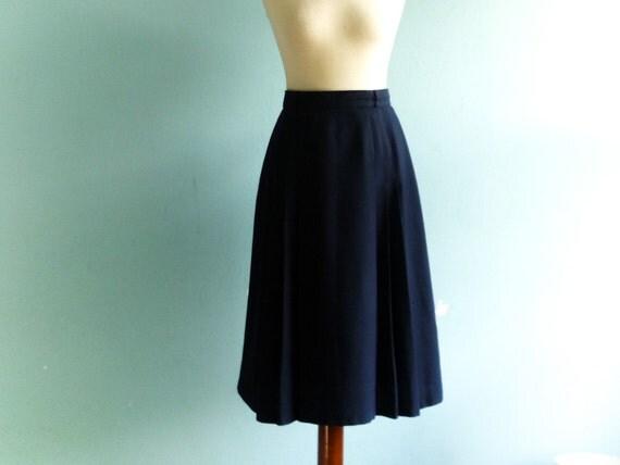 vintage navy blue skirt high waisted pleated preppy
