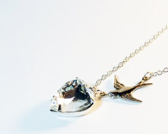 PARKLING CLEAR Vinage Glass Heart Swallow Bird Necklace