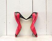 Hot Pink Heels 1980s Black Striped Vintage Patent Leather Pumps Size 7 1/2