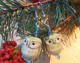 Light green glass owl earrings