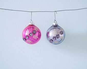 Amazing Set of 2 Vintage Christmas Glass Ornaments with Textured Flowers
