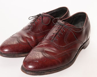 Wingtip Dress Shoes Size 10.5 EEE