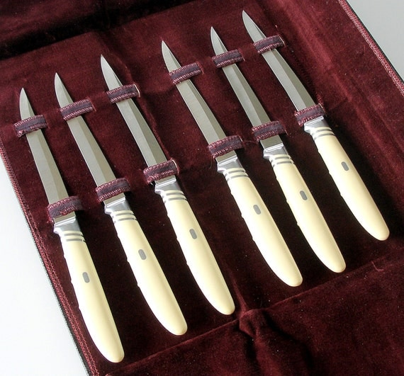 Vintage Steak Knives 116