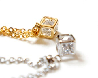 Princess Cube - CZ Stone in Silver / Gold Cube Minimal Necklace - Simple Everyday Jewelry - Gift Under 30 - Bridal Jewelry