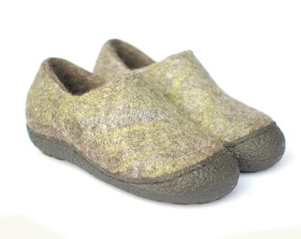 Wool clogs gray green - Clogs 6 Rustic - Felted wool shoes with rubber soles